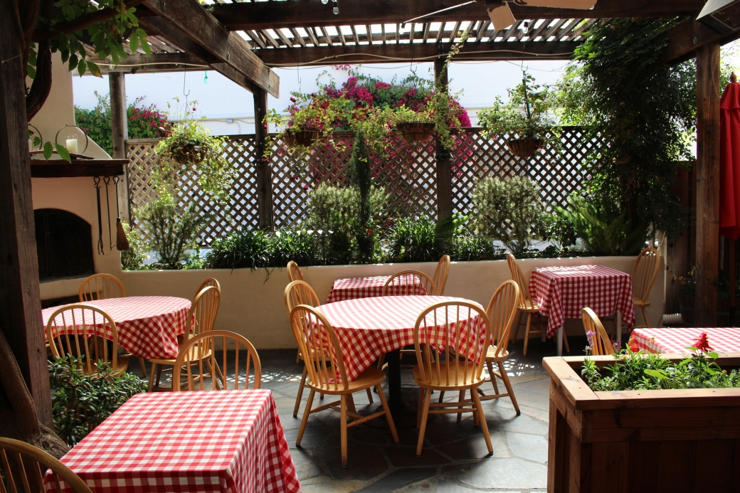 patio dining - Restaurant Patio